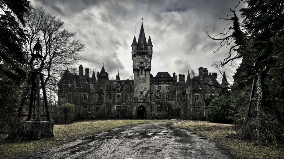 Miranda Castle is truly an eerie abandoned place.