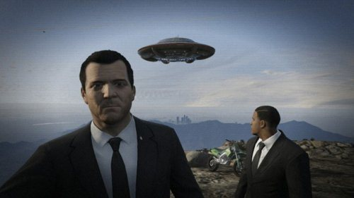 Michael and Franklin taking a Men in Black selfie on GTA V.