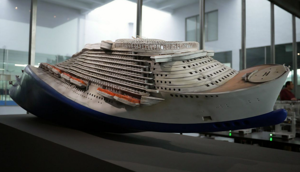 Hung-Chih Pend used 100,000 pieces to make this model