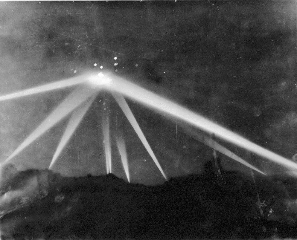 Photo of a U.F.O. over Los Angeles in 1942 - 8 Most Convincing UFO Sightings Of All Time