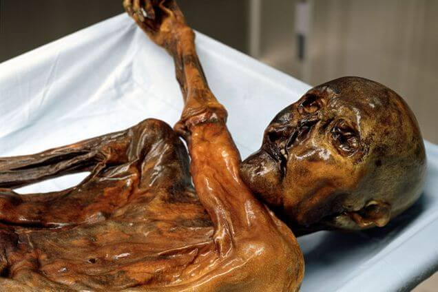 Otzi the Iceman is a cursed object.
