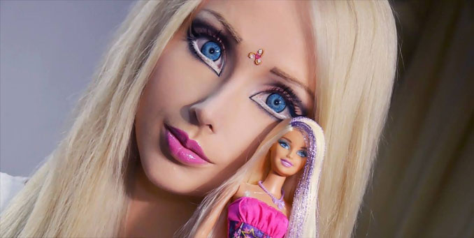 Valeria Lukyanova human Barbie-doll - 10 real people you have to see to believe.