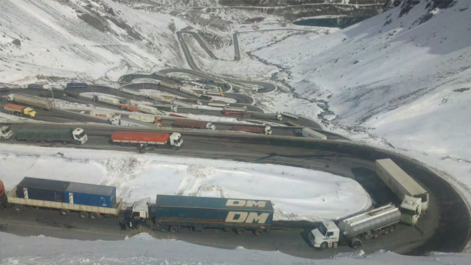 Los Caracoles Pass in Chile is a dangerous road.