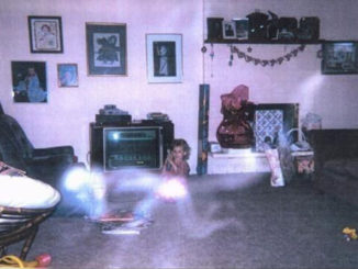 10 Creepiest Paranormal Photos Ever Taken