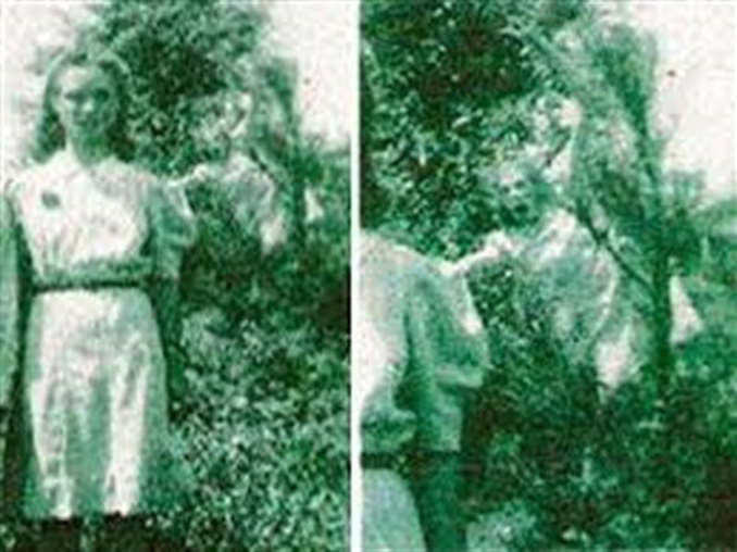 Ghost in the Bushes - 10 Photos That Should Not Exist
