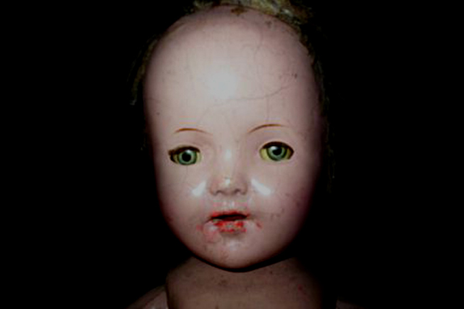 Joliet the doll - 10 Cursed Dolls With Very Creepy Backstories