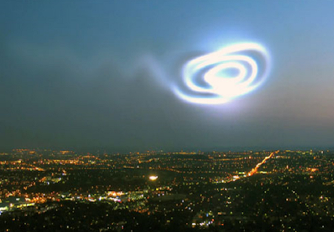Swirling light seen over Western Canada - 10 Strangest Things Ever Seen in The Sky
