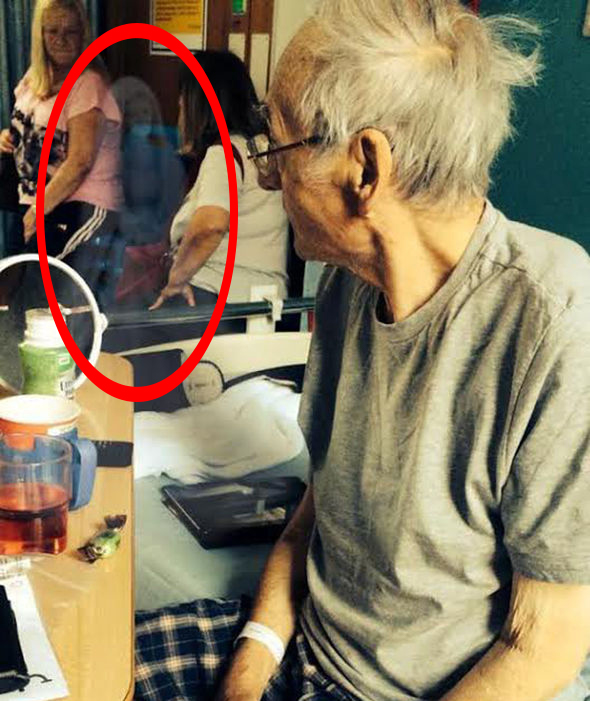 Real ghost photos that have the Internet spooked