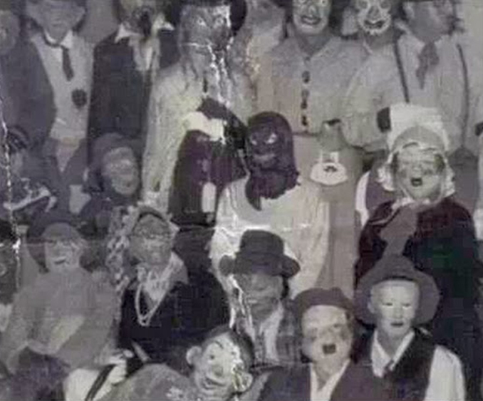 Halloween urban legend photo - The Scariest Halloween Costumes of All Time