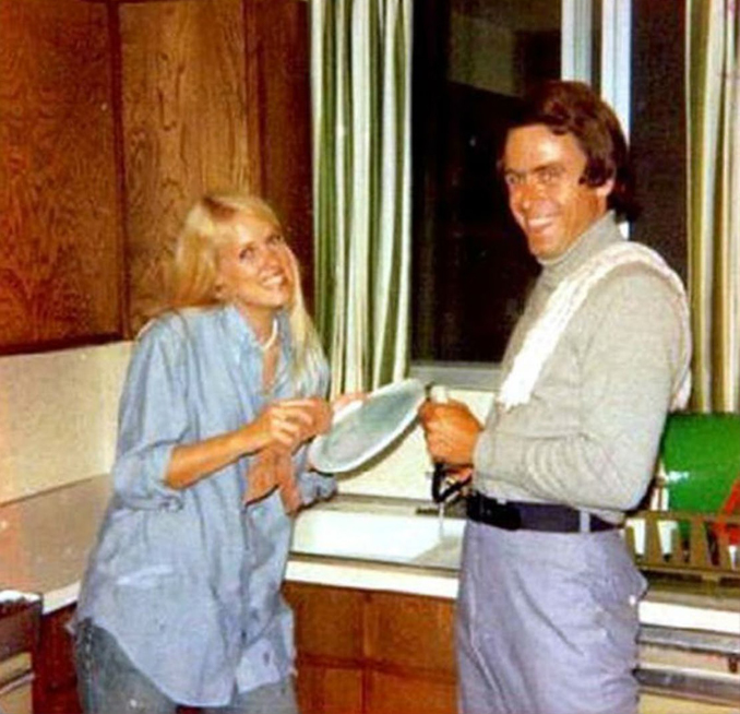 Ted Bundy doing the dishes - These Real Photos Have Very Disturbing Backstories