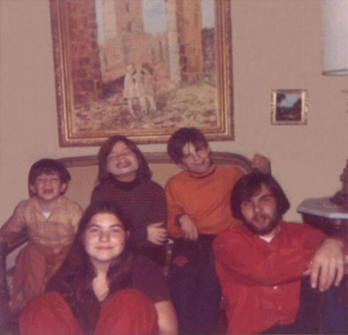 The DeFeo Children - These Real Photos Have Very Disturbing Backstories