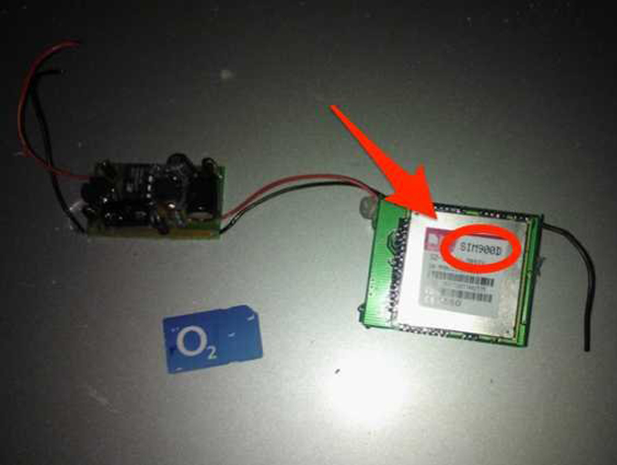 Sim card discovered by shadybusiness15 on Reddit after fuse blew