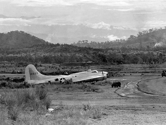 Mysterious b-17 ghost bomber lands by itself during WW2. One of the most perplexing wartime mysteries.