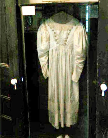 Anna Baker's Cursed Wedding dress