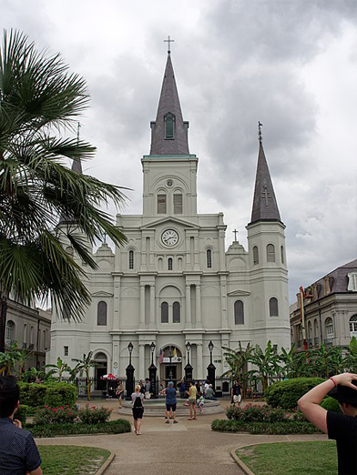 St Louis Cathedral on a grey day.